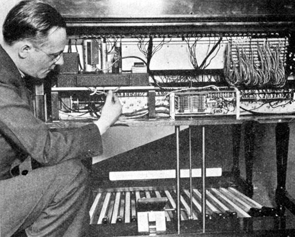 7—Hammond organ.